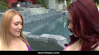 Sisters Fuck By Jacuzzi