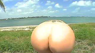 camel toe slut is having fun feature