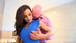 Jizzing Lisa Ann's luscious chest after draining her slippery twat
