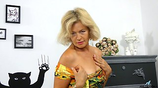 Torrid blond head Diana Gold is busy with teasing her Czech hairy pussy