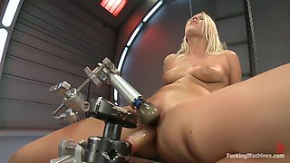 How Long Can She Fuck For - Machine vs. Pussy