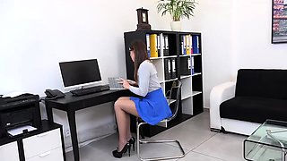 Wetandpissy - Office Piss Play - hd pissing
