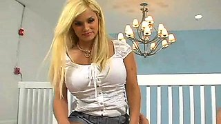 Shameless maid Shyla Stylez feels well on top
