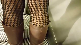 Pantyhose in miniskirts