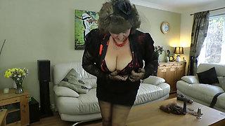 Cum Swallowing Teasing UK Milf Julie