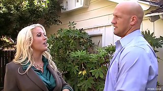 Bigtits lady boss Alura plays with lucky bald guy