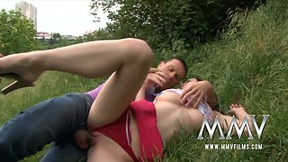 Spoiled chick gets her pussy eaten out and finger fucked outdoor