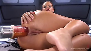 reckless roxy raye fists herself and gets her ass ripped by a fucking machine