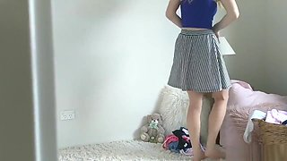 LITTLE KAYLIE - PEEK ON YOUR TEEN SISTER CHANGING