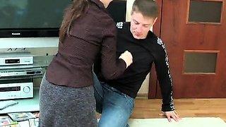 Beautiful stepmom seduces a boy