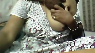Andhra Aunty On Webcam