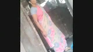 Desi Aunty Exbition Show To Lucky Neighbour Bf