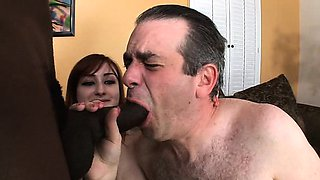 All Les wanted was a blowjob from his sex-kitten wife
