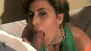 Mesmerizing dark skin sultry babe can barely fit this big dick