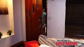 Woken up dude gets rewarded with awesome blowjob performed by Yasmin Scott
