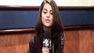 Selena Gomez - Pokies