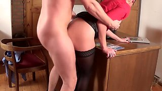 Boss Fucks His Secretary On The Desk And Creampies Her(Storytelling Truu 1)