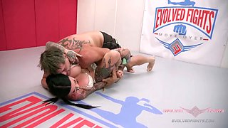 Jen hexxx bites racker&#039s balls in this naked wrestling match