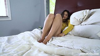 Horny step daddy can't resist fucking beautiful stepdaughter Sofie Reyez