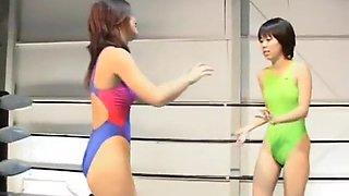 Wrestling lesbico