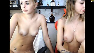 teen flexible baby flashing boobs on live webcam
