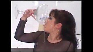 DRINKERS SEMEN Shayna Knight