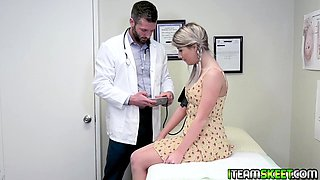 Horny doctor pounds Vienna and rubs her clit until she cums