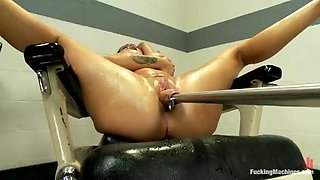 horny gorgeous brunette jenna presley banged by a machine