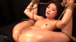 Japanese AV Screaming Orgasm Destroyed by Fucking Machine