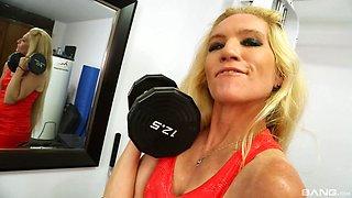 Fit mature blonde whore Zosia in a close up POV sloppy blowjob