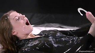 # maria pie # solo in latex straples cums. full video h.d