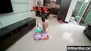 Busty Latina maid does some pussy work instead of cleaning