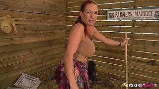 Big tittied whore Faye Rampton shows off her yummy pussy upskirt