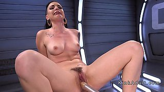 Babe anal fucks machine and squirts