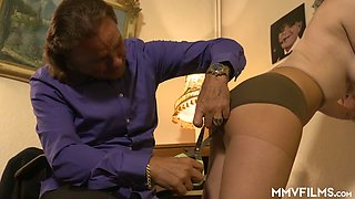 Messy haired stud enjoys sucking big tits of torrid Scarlet Rose