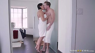 loving stepmom shay fox seducing her big-dicked stepson