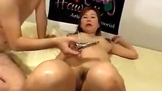 Pregnant Japanese Gets Pussy Toyed