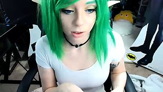 Green haired camgirl puts her big natural boobs on display
