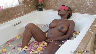 interracial fuck in the bathtub