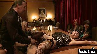 Sexy chicks entertaining their horny boss