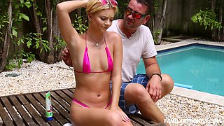 Hot summer affair with instabiale blonde vixen Riley Star