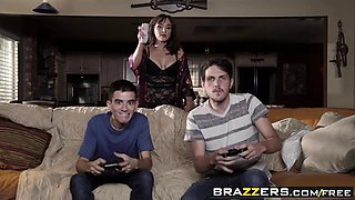 Brazzers - Mommy Got Boobs - Cytherea Jordi E