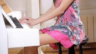 yuliya piano